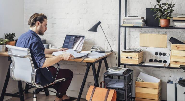 Como o uso de um sistema pode ajudar no home office